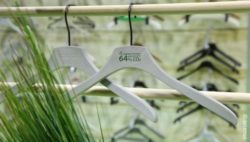 clothing hangers made of gras; copyright: Messe Düsseldorf